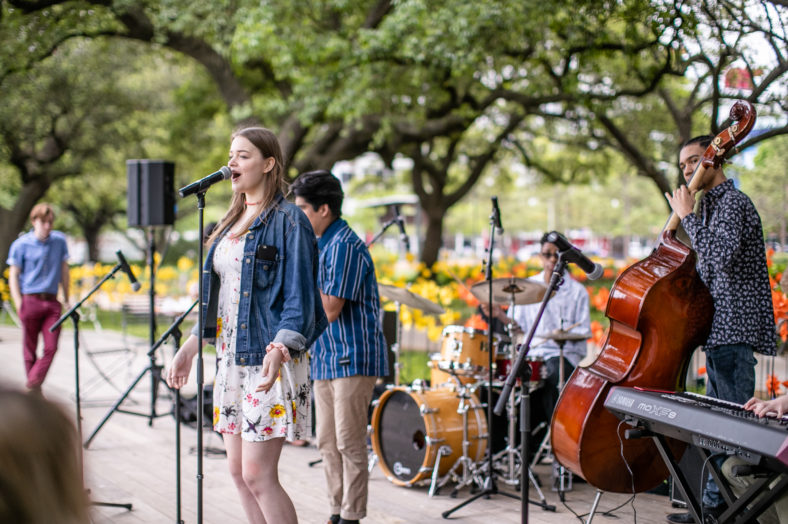 Lunch and live music at Discovery Green Memorial