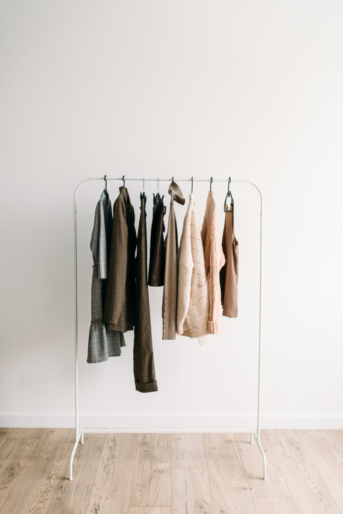 how to build a capsule wardrobe closet fashion
