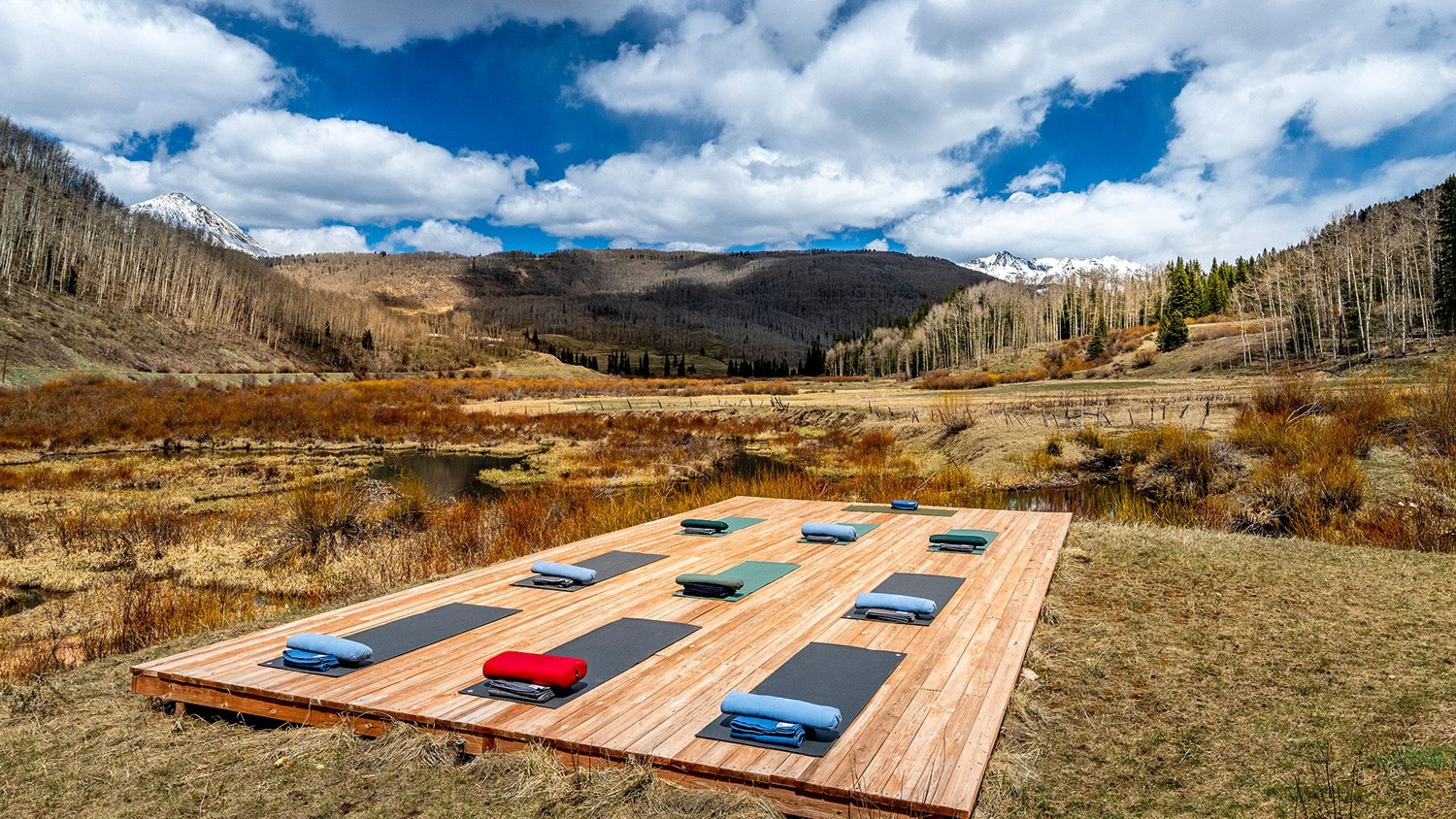 outdoor yoga at a digital detox retreat