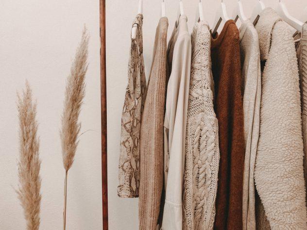 how to build a capsule wardrobe closet fashion